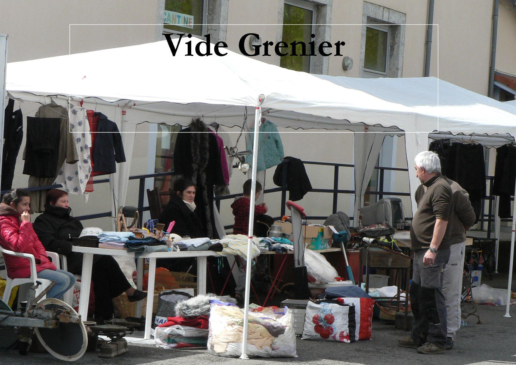 2014 Avril  :  Izaut-de-l'Hôtel. Vide grenier et bourse (La Dépêche du Midi)