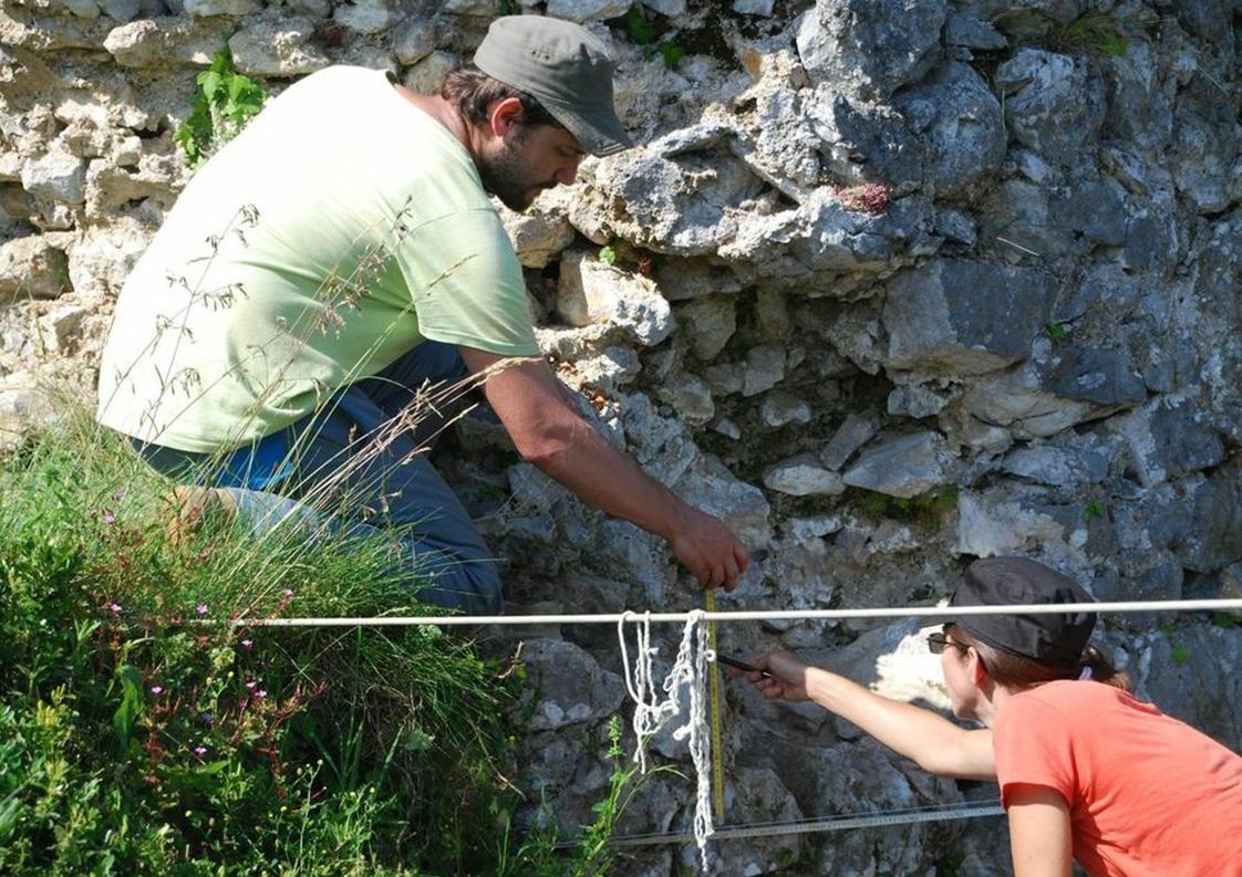 Relevé des pierres de la courtine